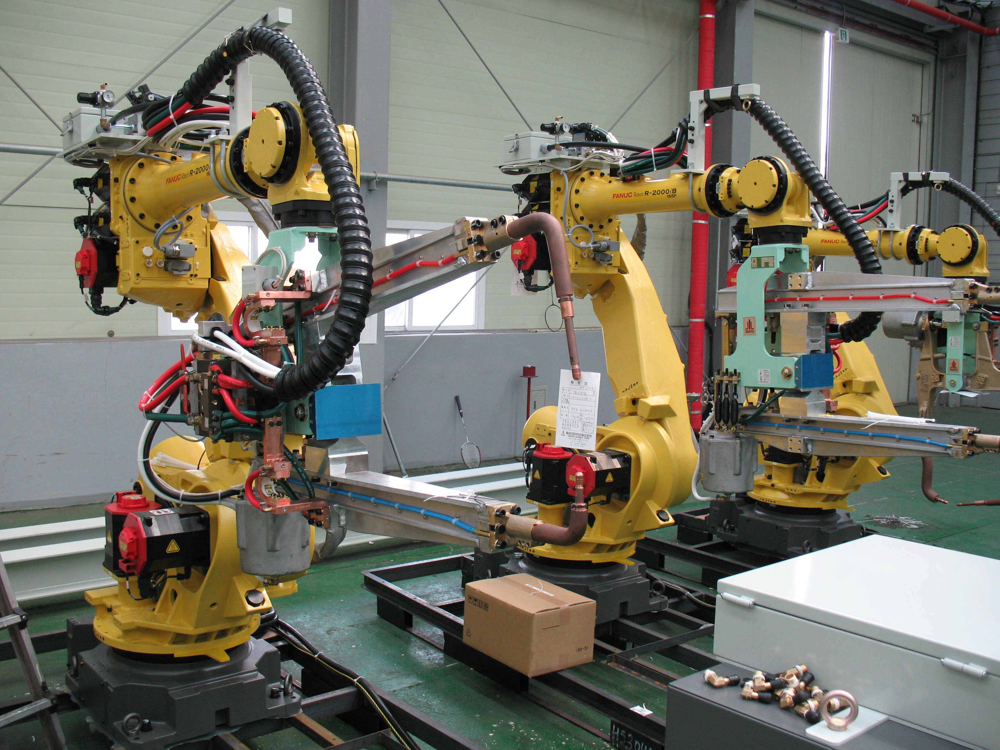 FANUC_R-2000iB_series_robot_128